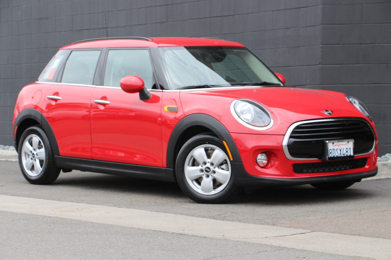 Pre-Owned 2019 MINI Hardtop 4 Door Cooper